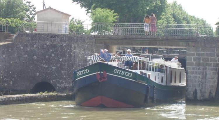 emma-barge09