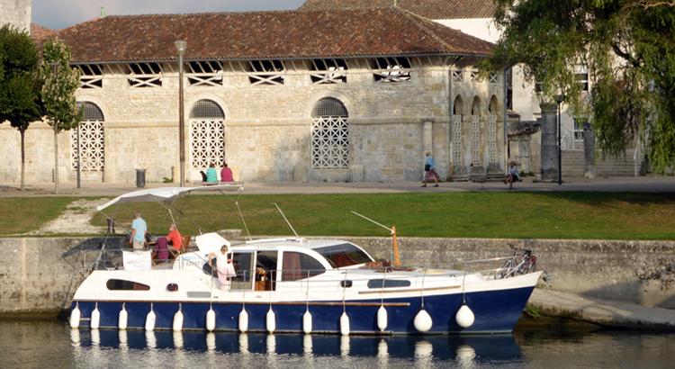 Boating-Saintes mooring