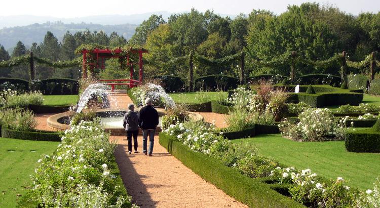 Dord- Manoir white garden