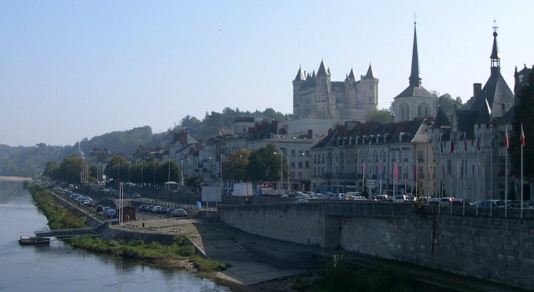 Loire-Saumur from river