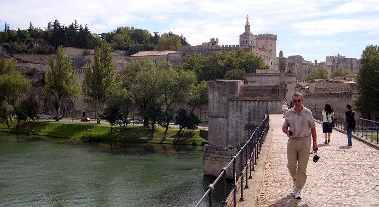 Minibus-pont d'Avignon