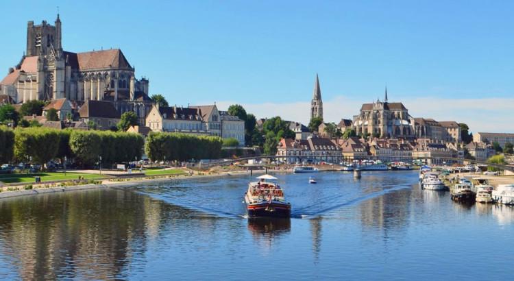 Luciole-leaving-Auxerre